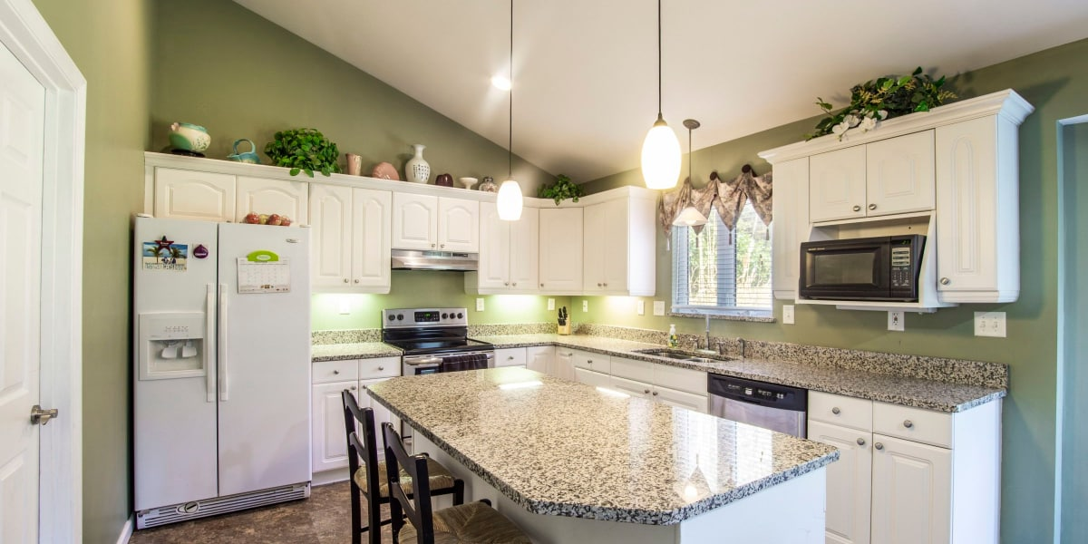 4 Tips for Choosing an Eye-Popping Kitchen Color Palette